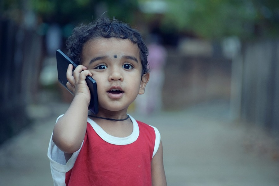 pojke-mobil